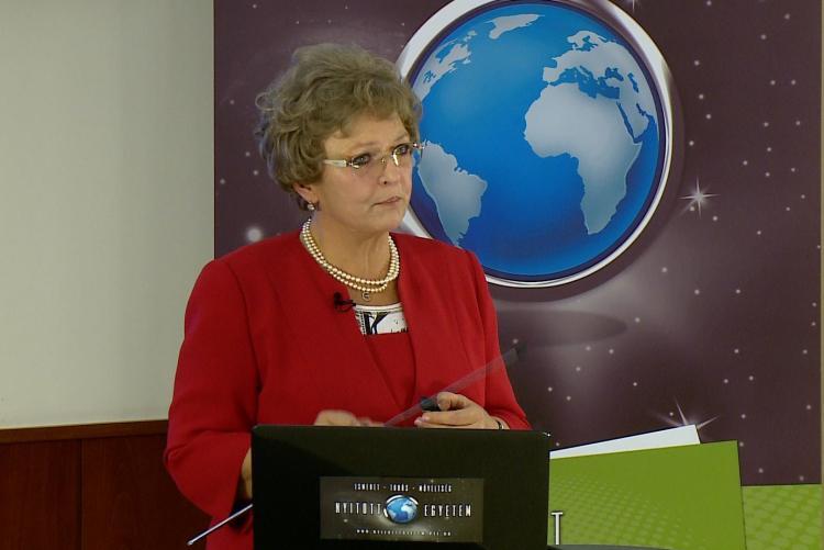 prof. Dr. habil. Hegyi Gabriella
