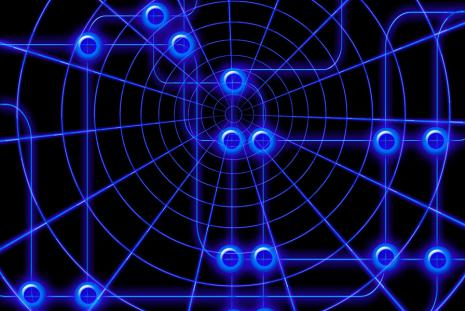 A potenciálási folyamattal információ tárolására képes szilícium nanorészecskék kerülnek a homeopátiás oldatba.
