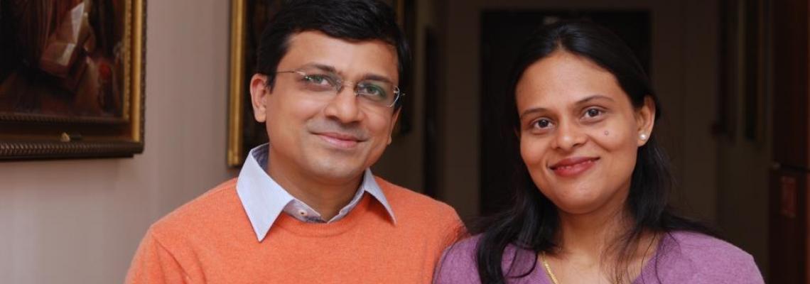 dr. Bhawisha és dr. Shachindra Joshi